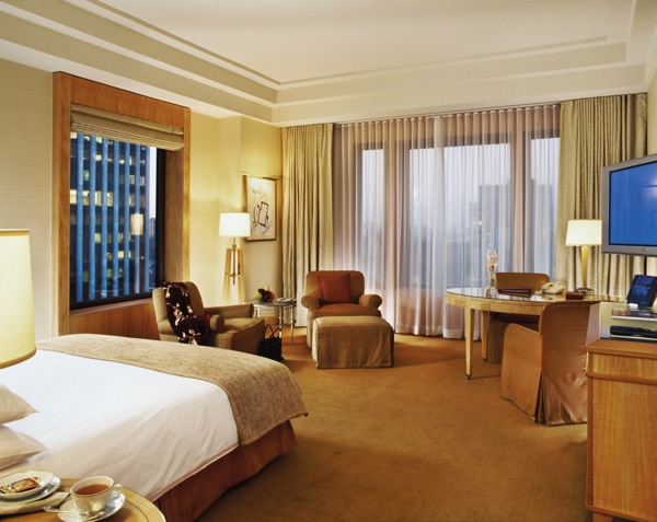 The bedrooms at the Four Seasons New York