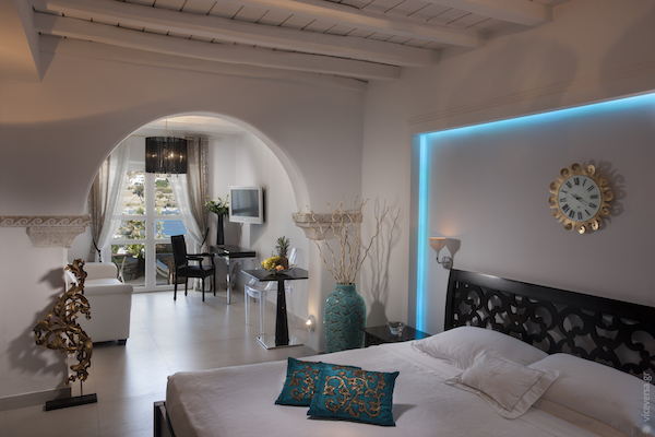 The bedrooms at Kivotos Mykonos