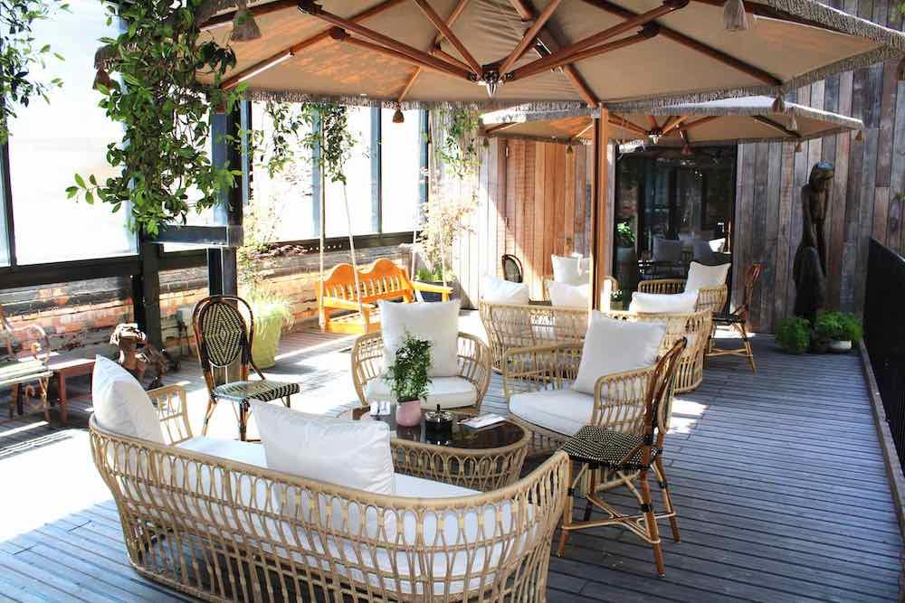 The terrace at Serge et le Phoque